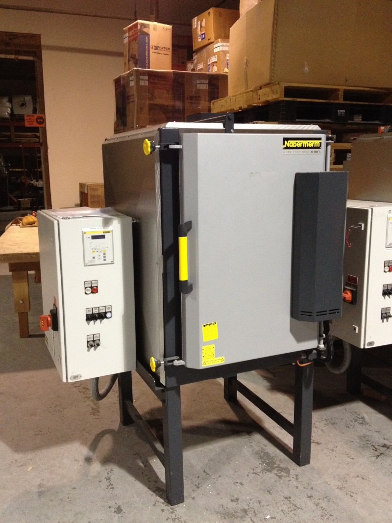Nabertherm N300/H front of kiln